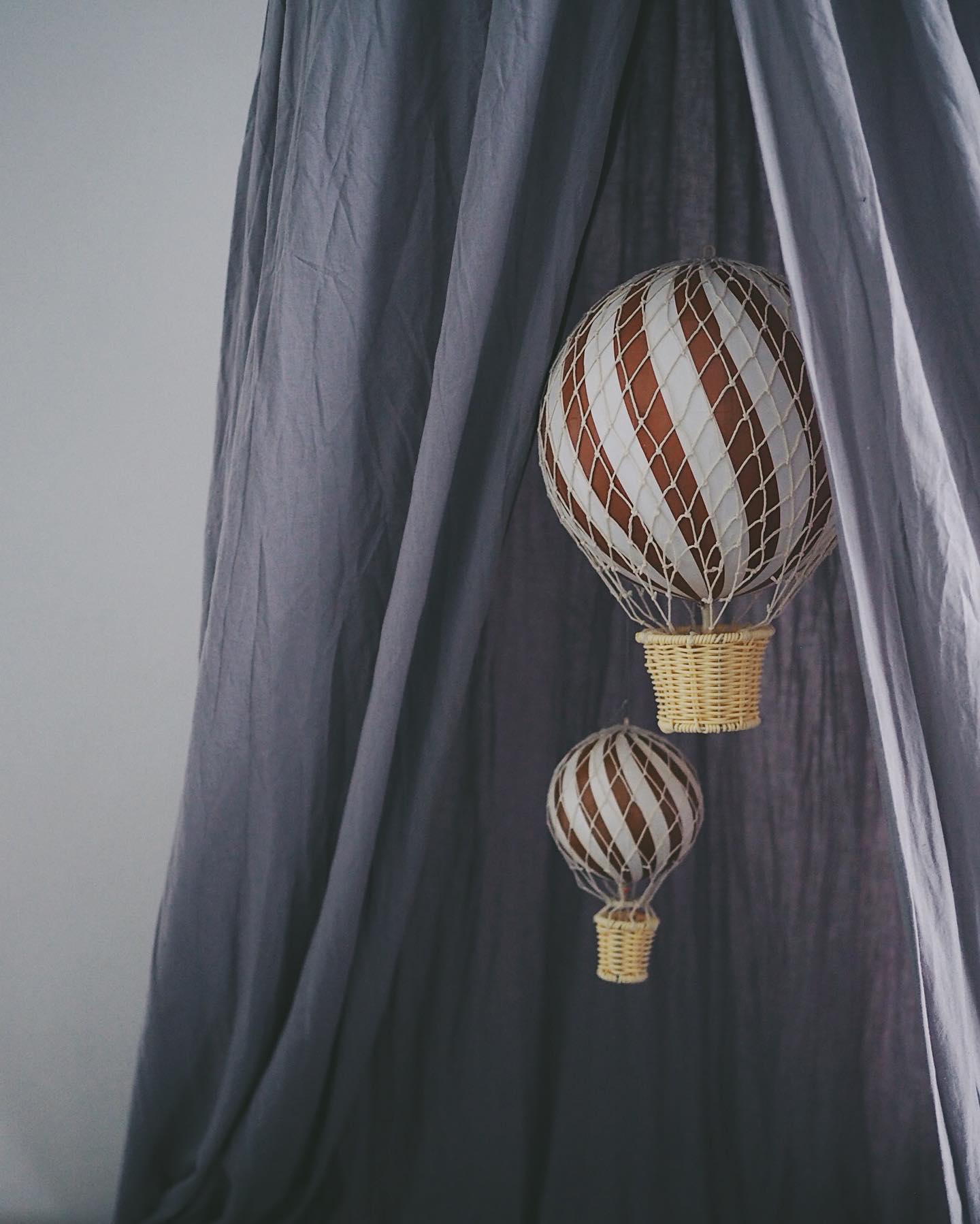 Heißluftballon, plum, in zwei Größen